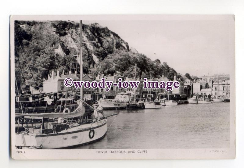 tq2028 - Kent - Yachts Moored under Cliffs, in Dover Harbour - Postcard - Tuck's