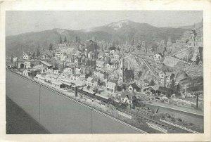Pays des merveilles CPA Maquette de train miniature F. Martelas postcard