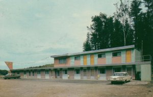 KENORA , Ontario, 1950-60s ; The Manor Motel