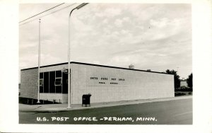 MN - Perham. US Post Office      *RPPC