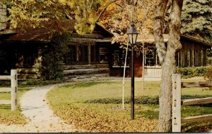 Illinois Bensenville Plentywood Farm Wellwood House Log Cabin Restaurant