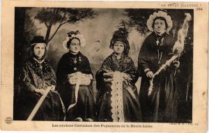 CPA Les anciens costumes des paysannes de la haute loire  (159627)