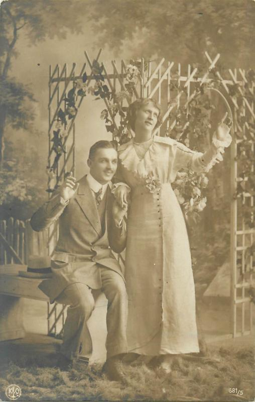 Photography photo postcard studio fancy glamour couple romance lovers 1917