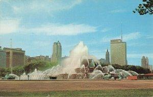 Postcard Buckingham Memorial Fountain Chicago Illinois
