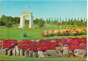 Peace Arch Memorial on USA - Canada border - colour photograph/postcard unused