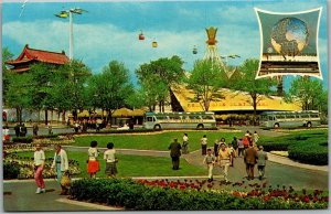 1964 NEW YORK WORLD'S FAIR Expo Postcard Court of The President of the USA