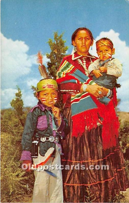 Indian Postcard Young Navajo Mother and her two Children