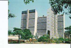 Postal 016999: CARACAS Venezuela - Edificios en el PARQUE CENTRAL de Caracas