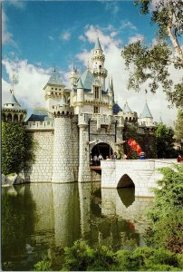 Disneyland CA Sleeping Beauty Castle Disney Vintage UNUSED Postcard F44