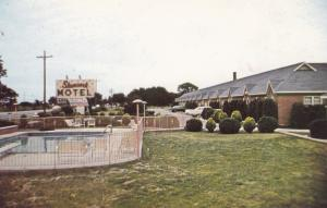 CUMBERLAND, Indiana, 1940-60s; Shamrock Motel, Diners Club, Swimming Pool