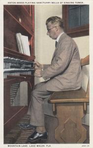 LAKE WALES , Florida, 1910-30s ; Singing Tower Organist