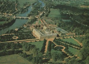 Middlesex Postcard - Aerial View of Hampton Court Palace   RRR531