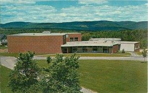 Postcard Sawyer Fine Arts Center, Colby Junior College, New London, NH