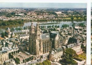 Postal 045930 : Tours (I.-et-L.). Vue aerienne - La cathedrale