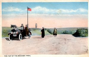 New York - People at the top of the Mohawk Trail - c1920
