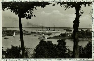 finland suomi, HELSINKI HELSINGFORS, Brunnsparken, Steamer (1930s) RPPC Postcard