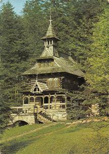 Poland Zakopane, Kapliczka w stylu zakopianskim, chapel