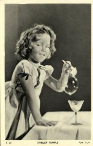 Child Actress SHIRLEY TEMPLE blowing Bubbles (1930s) Fox Film S50
