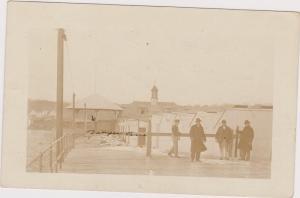 RP: NEWPORT , Rhode Island, PU-1914 ; Men on Pier