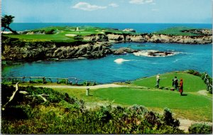 16th Hole Cypress Pint Golf Course Carmel By The Sea CA Unused Postcard F65