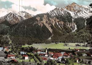 Stanzach Tirol mit Tauberspitze und Mittagspitze Panorama