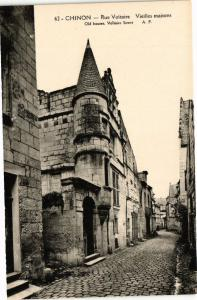 CPA CHINON - Rue Voltaire - Vieilles maisons (228941)