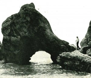 Pizmo Pismo CA California Arch Rock Shell Beach Man w Cane Postcard PNC