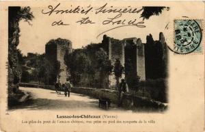 CPA LUSSAC-les-Chateaux - Les piles du pont de l'ancien chateau (365649)