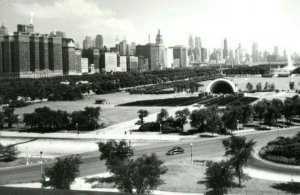 Vintage RPPC Grant Park Looking North from Chicago Natural History Museum P163