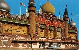 SD - Mitchell. Corn Palace, 1963