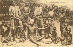 French Congo BRAZZAVILLE Zoungoula soignant une compagnie de Sommeilleux