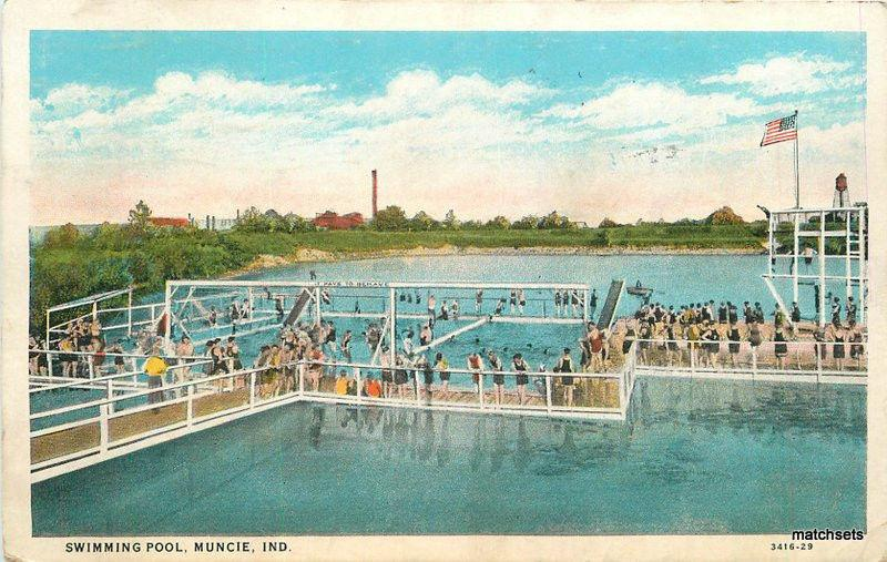 1937 Swimming Pool Muncie Indiana Teich postcard 11680