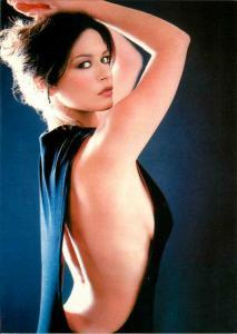 Catherine Zeta-Jones Sexy Arched Back Postcard