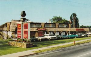 VICTORIA , British Columbia, Canada, 1950-60s; Coachman Inn