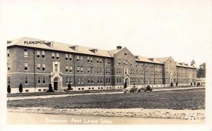 FORT LEWIS, WASHINGTON BARRACKS ELLIS #7305- WW2 ERA RPPC REAL PHOTO POSTCARD