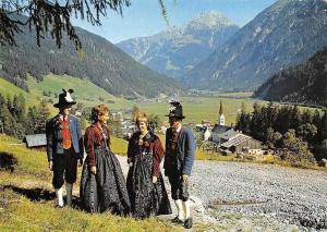 Holzgau im Lechtal Tirol, Traditional Costumes General view