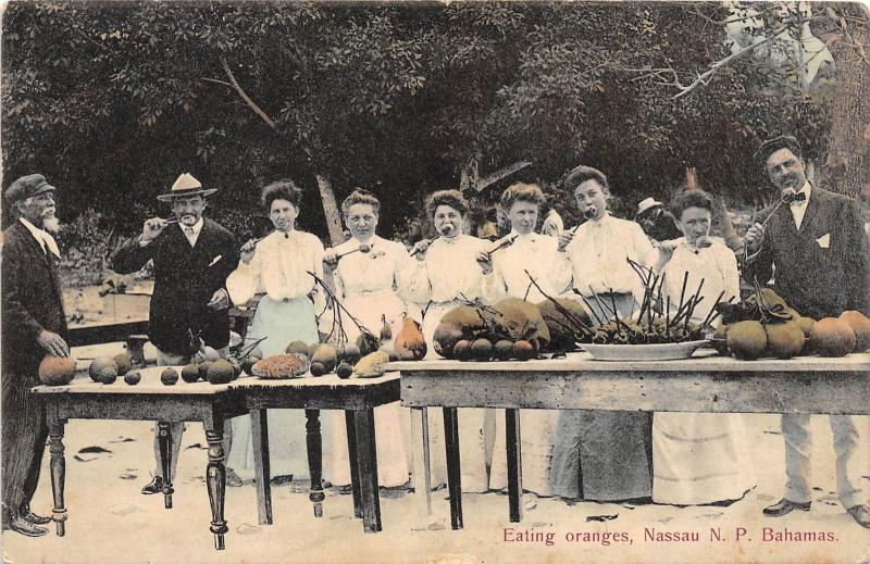 E56/ Foreign Postcard Carribean 1922 Nassau N.P. Bahamas Eating Oranges