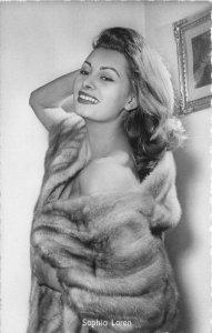 Beautiful Movie Star Actress Sophia Loren Photo Postcard 20-1273 fur 20-1273