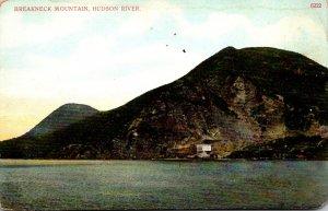 New York Hudson River Break Neck Mountain