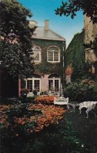 Louisiana New Orleans Maison Montegut Patio