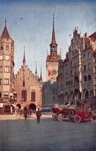 Munchen Altes Rathaus TOwn Hall Street Vintage Cars Postcard