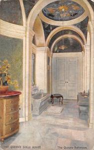 The Queen's Dool House, The Queen's Bathroom
