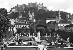 Salzburg Mirabellgarten Dom und Festung Garden Fountain Statues Cathedral