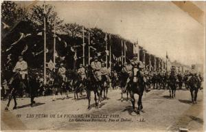 CPA  Militaire - Fetes de la Victoire - Berthelot - Pau - Dubail  (696216)