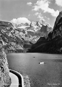 Gosausee mit Dachstein Road Lake Boats Mountains Landscape