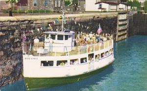 Sightseeing Boat BIDE-A-WEE , Canadian Lock , SAULT STE. MARIE , Ontario , ...