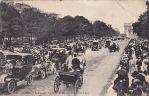 PARIS, France, 1900-1910's; L'Avenue Du Bois De Boulogne