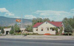 OLIVER , B.C., Canada, 40-60s ; Bellflower Motel