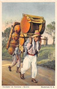 E39/ Antiqua Guatemala Postcard c1920s Vendedor de Comales 13