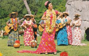 Waikiki , Hawaii , 1950-60s ; Kodak Hula Show